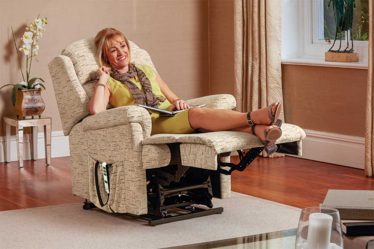 Albany Small Riser Recliner Chair