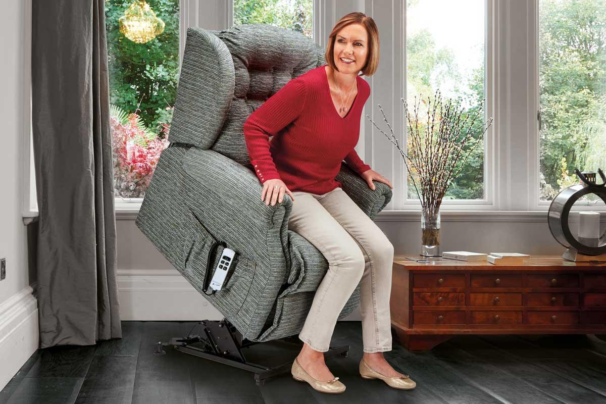 Lynton Small Riser Recliner Chair